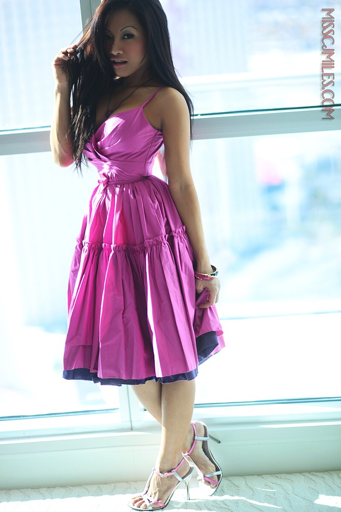 Red Asian Apple - AE | Devine Asians